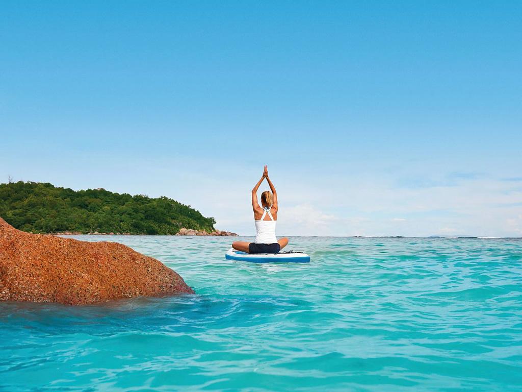 Stand-up-Paddeling Yoga mit der EUROPA 2