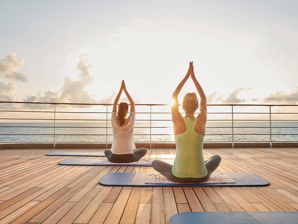 Yoga an Bord der MS EUROPA 2