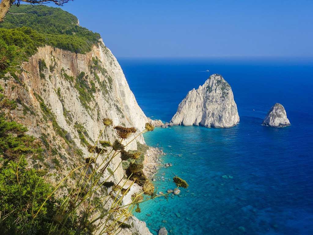 Steilküste in Griechenland