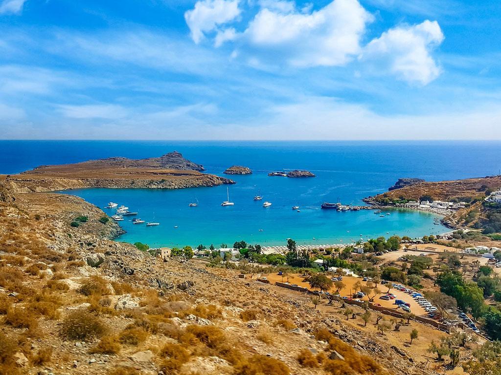Kleine Bucht an der griechischen Küste