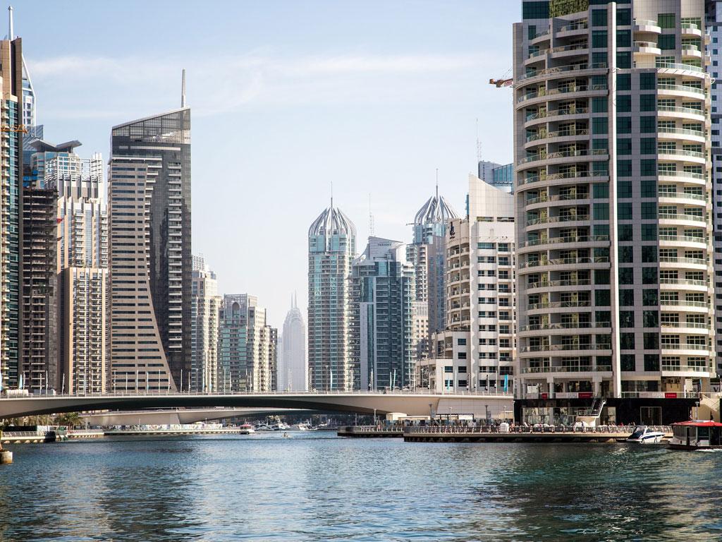 Marina von Dubai mit Skyline