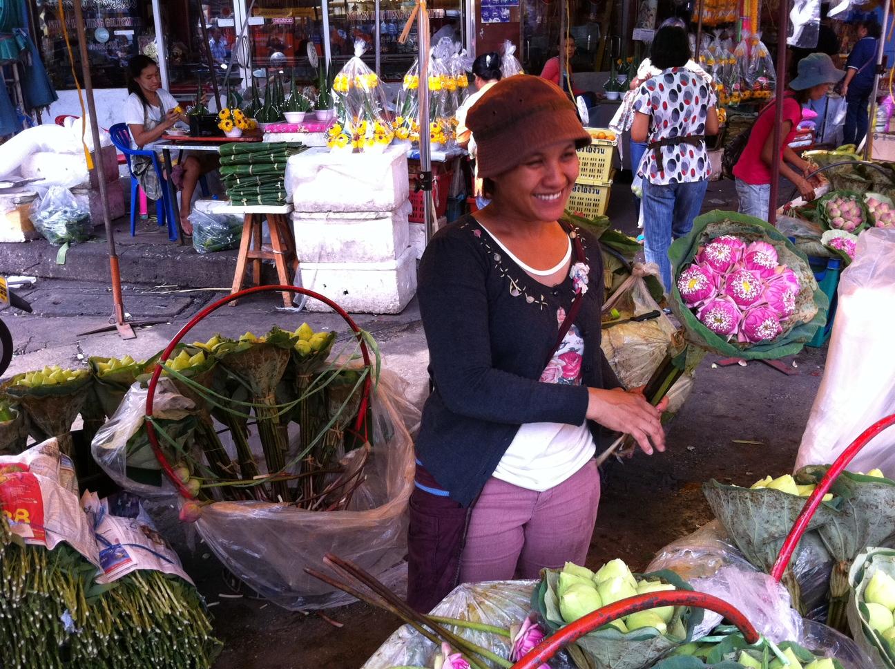 Bangkok und Chiang Mai thailand asien  Blumefrau