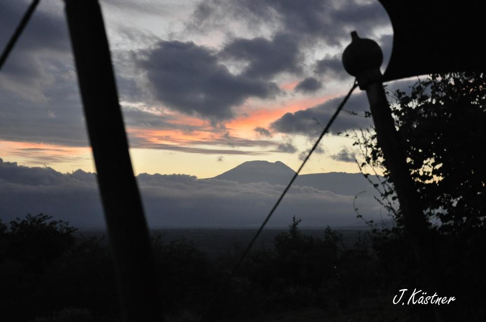 World of TUI persönlich. Tansania erleben! tansania sonne safari afrika  DSC 8374