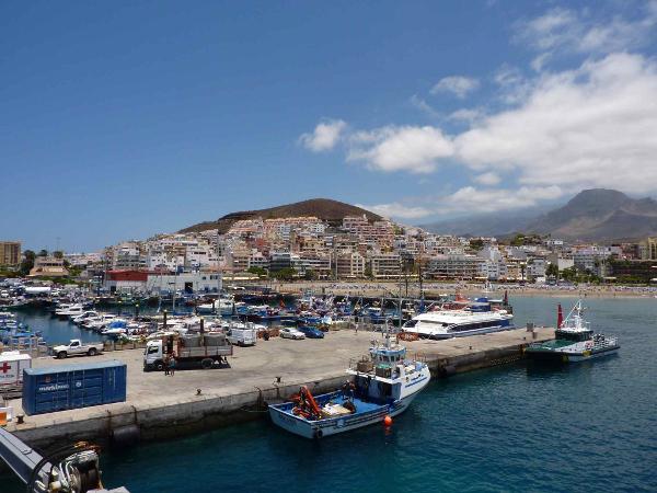 Teneriffa und La Gomera europa  Hafen von Los Cristianos6