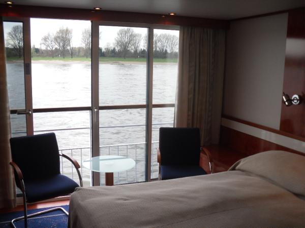 Flusskreuzfahrt mit der TUI Sonata staedtereisen kreuzfahrt europa  SDC16370
