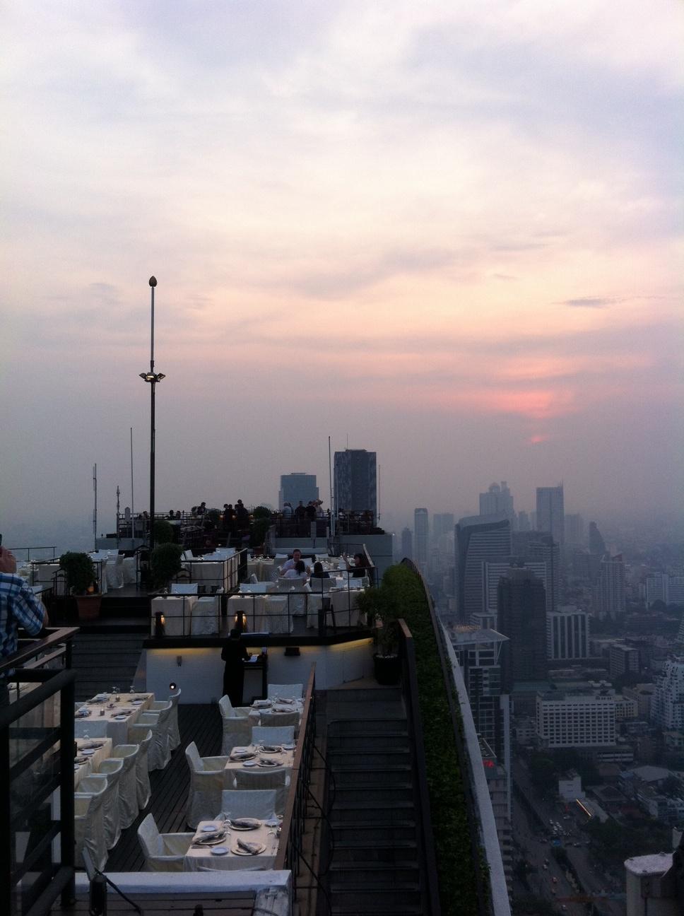 Bangkok und Chiang Mai thailand asien  Sundowner Banyan Tree