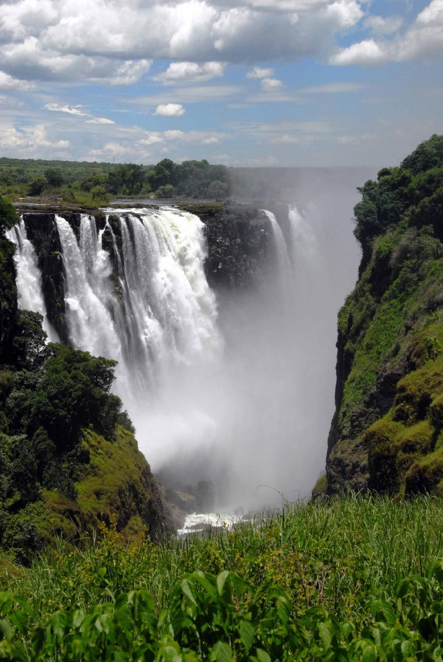 Mit Gebeco von Namibia über den Chobe National Park zu den Viktoriafällen sonne simbabwe safari land und leute namibia botswana afrika  sim victoriafalls2 1